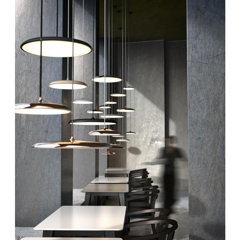 Design For The People by Nordlux Artist 25 hanglamp boven bureaus